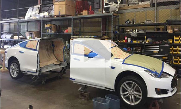 Tesla Model S durchgesägt: Video