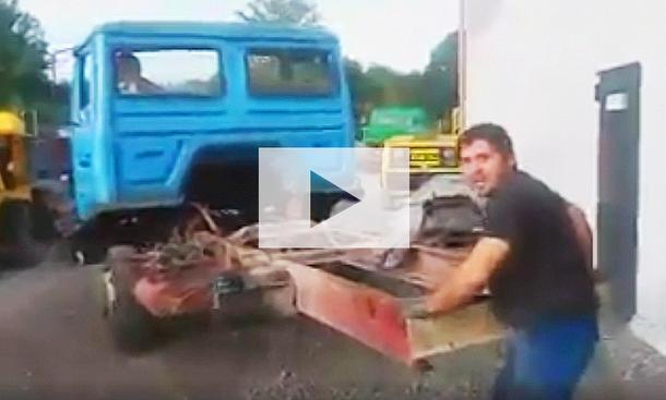 Lkw fährt ohne Hinterachse: Video