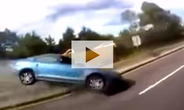 Horrorunfall mit VW Jetta: Video