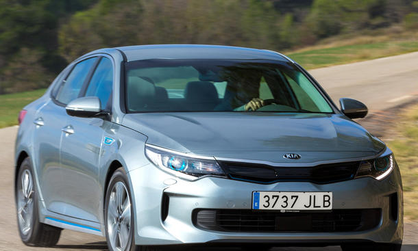Kia Optima Plug-In-Hybrid (2016)