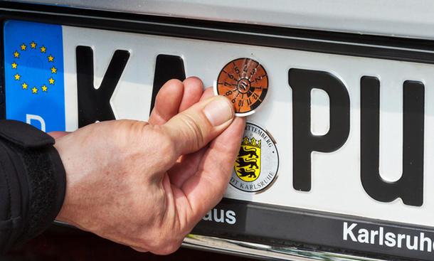 fahren-ohne-zulassung-ungestempelte-kennzeichen-01.jpg
