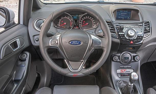 Ford Fiesta ST200 (2016)