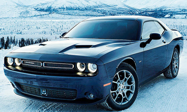 dodge challenger gt awd preis marktstart update. Black Bedroom Furniture Sets. Home Design Ideas